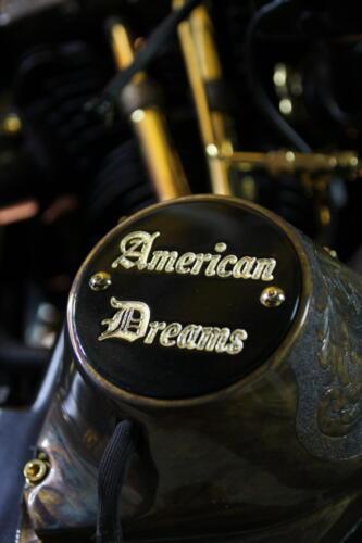 Dettaglio Shovelhead D-24k incisione logo American Dreams