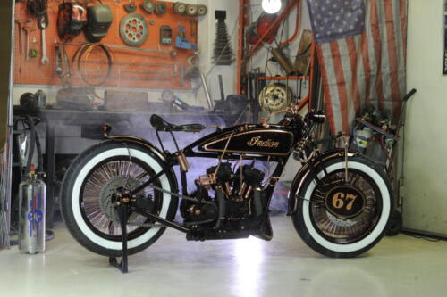 Indian Scout 1927 Iceman Boardtracker in Officina